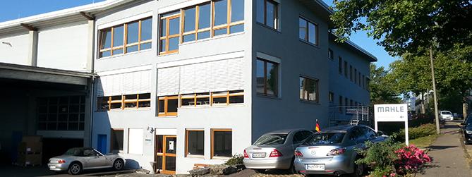 Firmensitz-669x2511